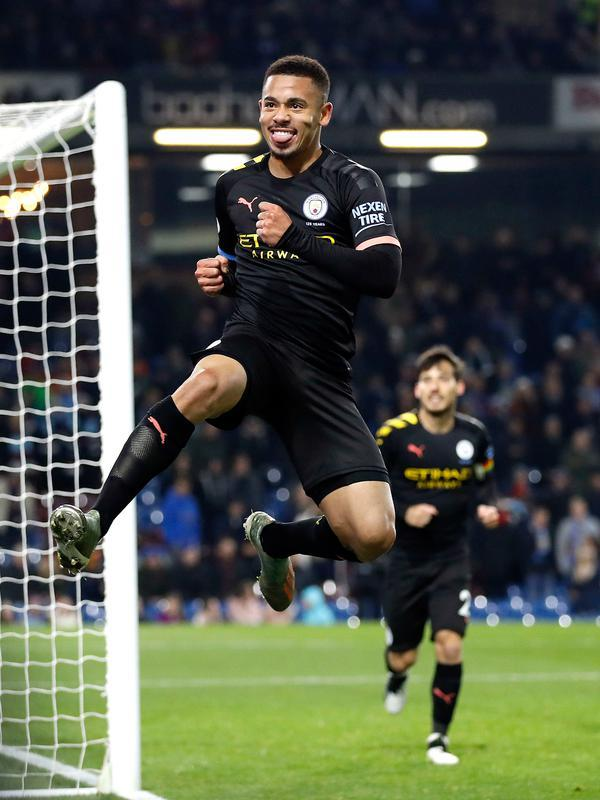 Pemain Manchester City Gabriel Jesus melakukan selebrasi usai mencetak gol ke gawang Burnley pada pertandingan Liga Inggris di Turf Moor, Burnley, Inggris, Selasa (3/12/2019). The Citizens mencukur Burnley 1-4, Gabriel Jesus mencetak dua gol. (Martin Rickett/PA via AP)