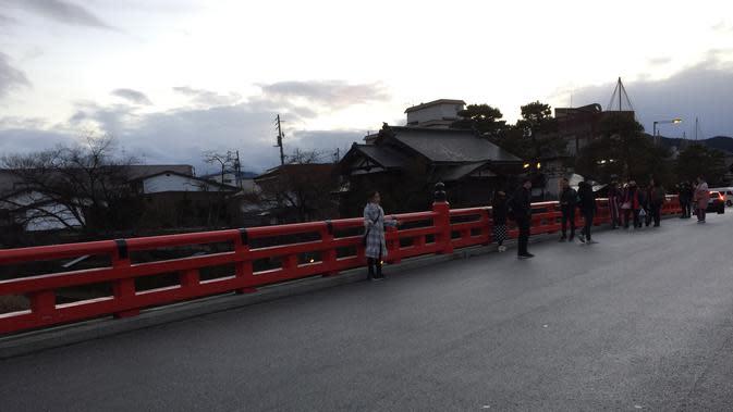 Jembatan Merah Nakabashi. Tempat ini menjadi salah satu ikon untuk