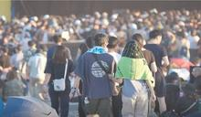 獨/音樂祭遭攔禁載客 運將怒:客人得走30分搭車