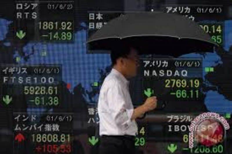 Saham Tokyo melemah di tengah kekhawatiran virus domestik dan global