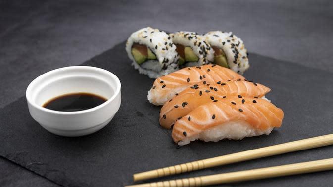 Ilustrasi Makanan Mentah Credit: unsplash.com/Andraz