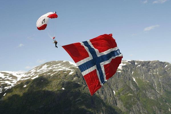 挪威主權基金持有上兆美元資金,投資風向備受矚目。(翻攝自Visit Norway臉書)