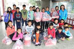 籌募貧童愛心食物包