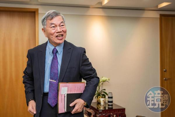 沈榮津指出,在美中貿易戰與科技戰下,台灣中低階的代工廠轉往東南亞,但高階的必須移回台灣。