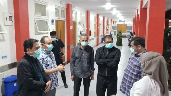 Pemkab Sidoarjo berupaya menekan penyebaran virus corona baru atau COVID-19. (Foto: Liputan6.com/Dian Kurniawan)