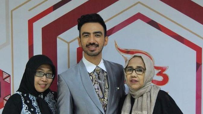 Momen Reza DA abreng keluarga yang jarang tersorot. (Sumber: Instagram/@listamahdami)