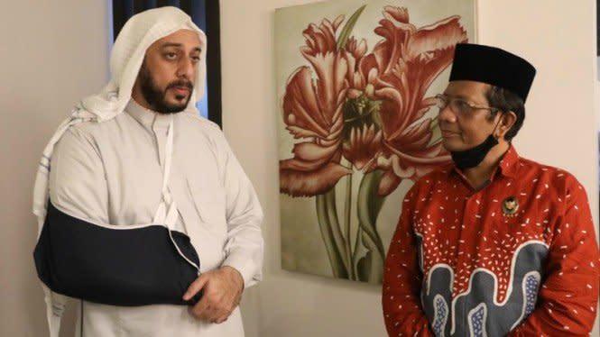 Menko Mahfud Jamin Penusuk Syekh Ali Jaber Diseret ke Pengadilan
