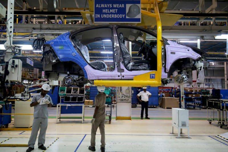 Penjualan mobil di India mulai meningkat setelah ekonomi dibuka