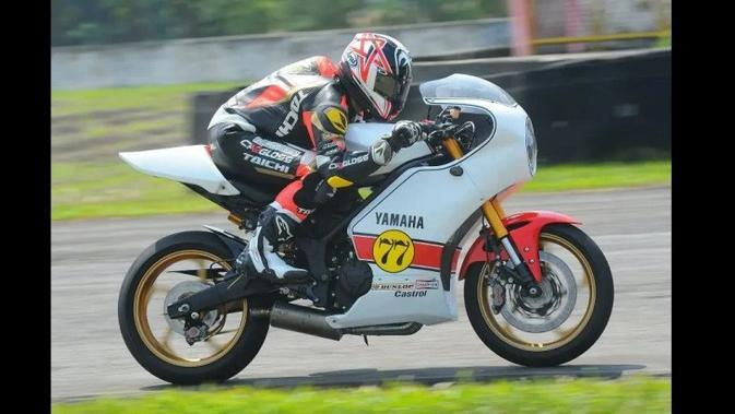 Modifikasi Yamaha R25 ala Tungangan Kenny Roberts