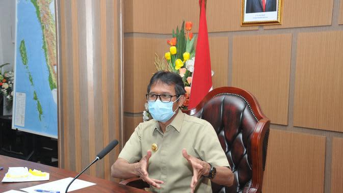 Tok, Pengelola dan Karyawan Rumah Makan di Padang Wajib Tes Swab