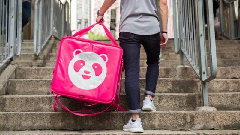 On-demand food delivery platform, FoodPanda, has denied one of its riders are down with Covid-19. — SoyaCincau pic