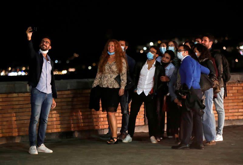Italy makes face masks mandatory as coronavirus cases surge