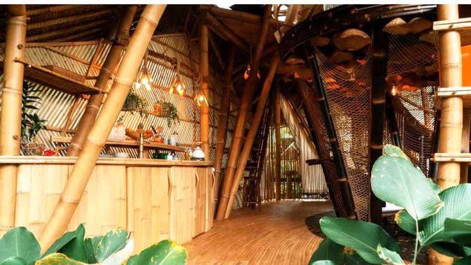 Arsitektur bambu Hideout Horizon Bali karya Studio WNA. (dok. Arsitag.com)