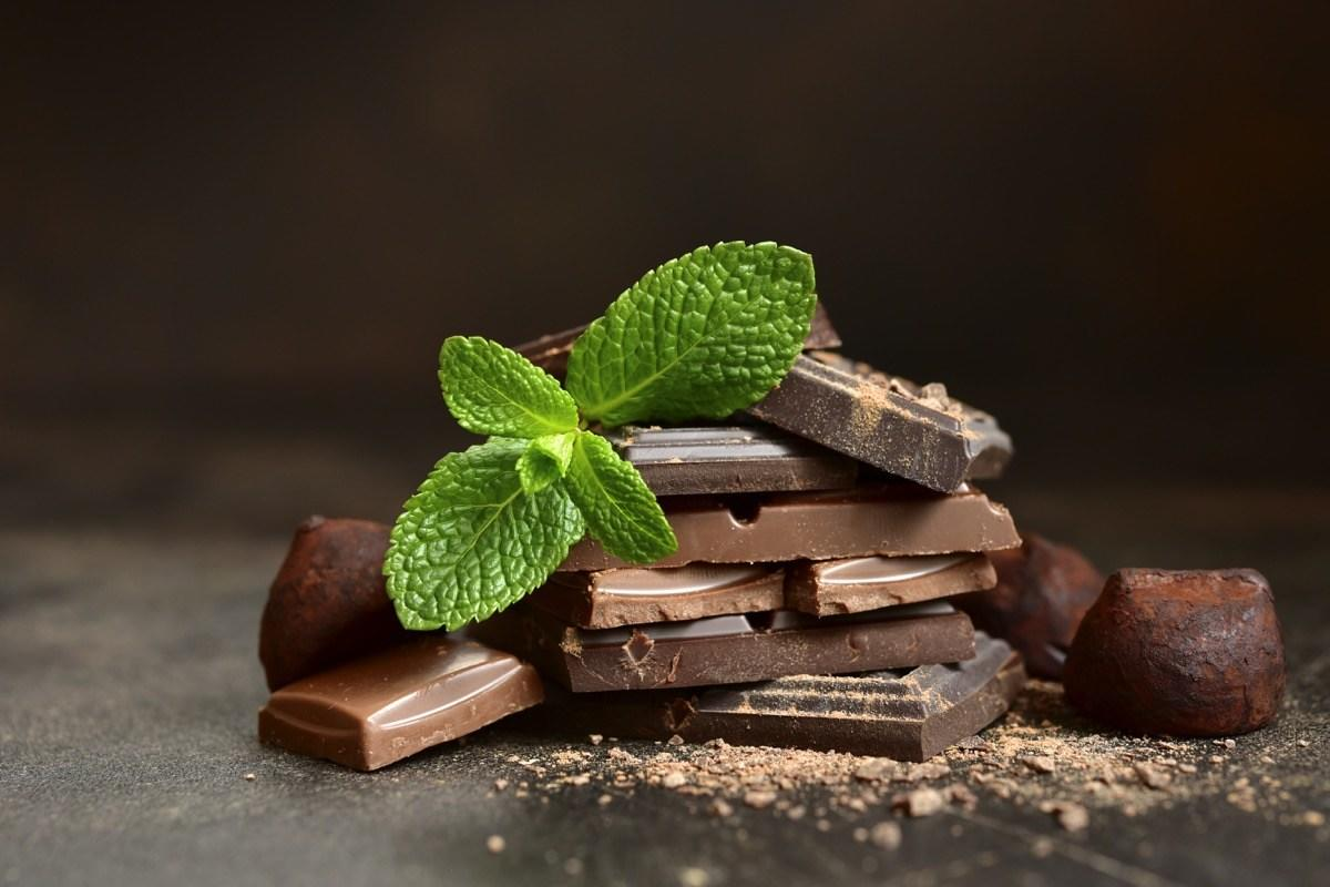 """Good news, chocoholics, Sass says eating dark chocolate, which has inflammation-fighting antioxidants, should be a part of your daily routine. And according to 2012 research published in the <em>Archives of Int</em><em>e</em><em>rnal Medicine</em>, individuals who regularly consume chocolate <a href=""""https://jamanetwork.com/journals/jamainternalmedicine/fullarticle/1108800"""" target=""""_blank"""">are thinner than those who abstain</a>."""