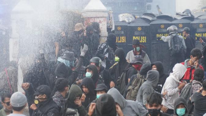 Tim Advokasi Demokrasi Jabar: Polisi Halangi Pendampingan Hukum Demonstran
