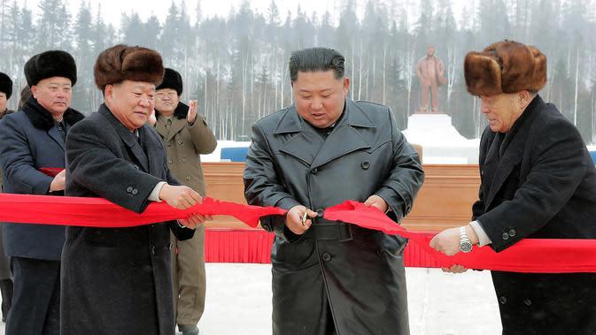 Dirumorkan Wafat, Warganet Ramaikan Twiiter dengan Tagar Kim Jong Un Dead