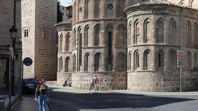 Foto yang diabadikan pada 22 September 2020 ini memperlihatkan pemandangan Kota Toledo, Spanyol. Pariwisata di Toledo terdampak keras oleh pandemi COVID-19. (Xinhua/Meng Dingbo)