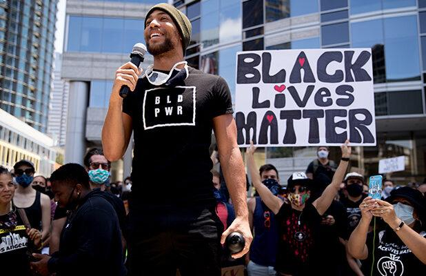 'Insecure' Star Kendrick Sampson Pens Open Letter Signed by 300 Black Artists Calling on Hollywood to Cut Ties With Police