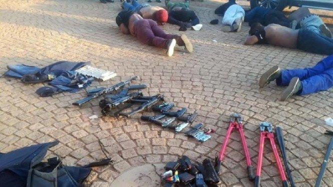 Lima Tewas Saat Baku Tembak di Gereja Afrika Selatan