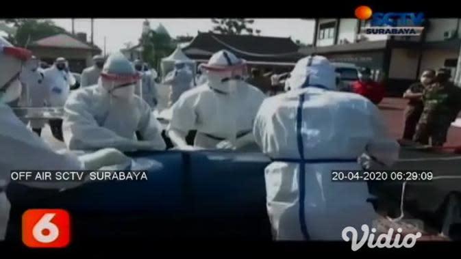 VIDEO: TNI dan Polri di Trenggalek Gelar Simulasi Penanganan Jenazah COVID-19