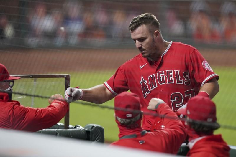 Trout card sells for record $3.936 million at auction