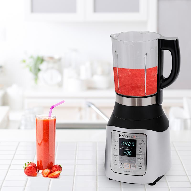 We can't wait to make smoothies using this blender! (Photo: Walmart)