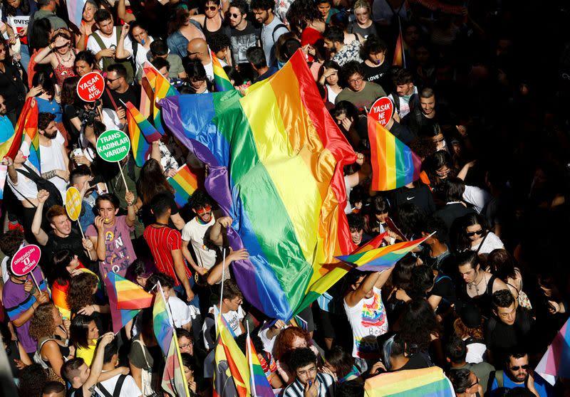 Pride celebrations stir tensions in Turkey