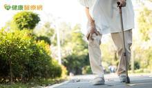 老了以後不吃肉,小心蛋白質攝取不足 50歲以上不能小看「骨質疏鬆」