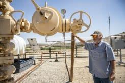 Produsen-produsen minyak AS berjuang agar bertahan di lautan berlebih