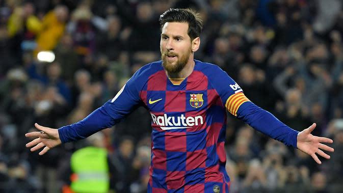 3. Lionel Messi (Barcelona) - Bintang Barcelona ini memiliki posisi utama sebagai pemain sayap kanan dan bisa menjadi second striker. Messi memiliki kemampuan mencetak gol dan memberikan assist sama baiknya, terbukti lewat sumbangan 25 gol dan 21 assist pada musim lalu. (AFP/Lluis Gene)