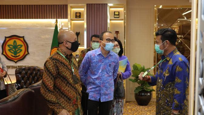 Menteri Koperasi dan Usaha Kecil dan Menengah Teten Masduki dan Menteri Pertanian, Syahrul Yasin Limpo.