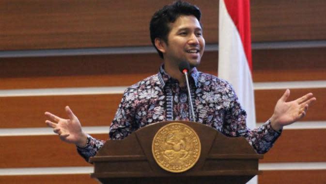 Acungkan Dua Jari, Wagub Emil Dardak Dilaporkan ke Bawaslu Surabaya