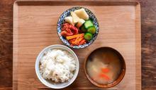 長輩勸「少吃湯泡飯」?怕消化不良 網揭:這習慣是重點