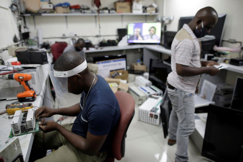 Amid theft and accusations of sabotage, Haiti struggles to turn on the lights