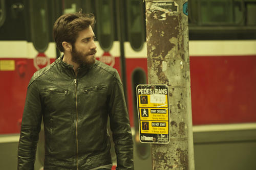 'Enemy' Review: It's Jake Gyllenhaal vs. Jake Gyllenhaal for Double the Mystery