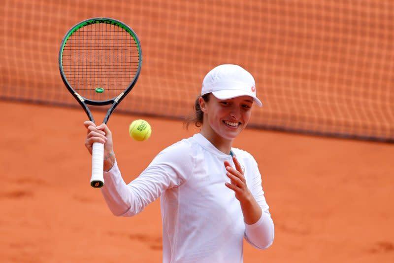 Swiatek jadi petenis Polandia pertama menangi Grand Slam