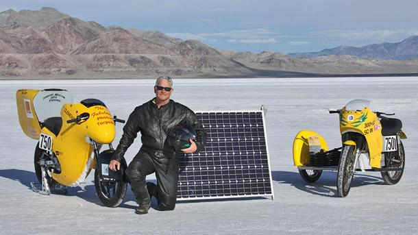 Setting Bonneville speed records with three wheels, batteries and the sun: Motoramic Experts