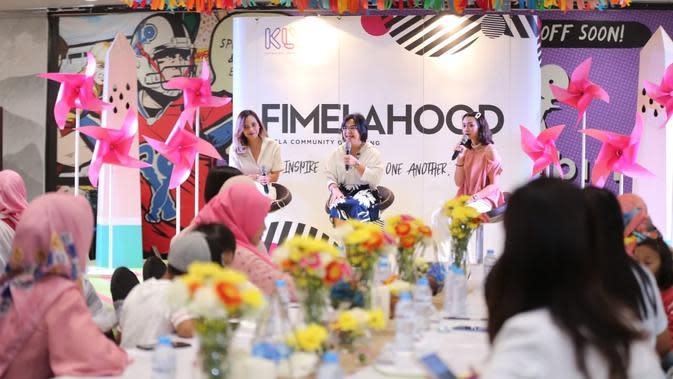 Melly Amaya Kiong, praktisi Mindful Parenting menjadi pembicara di Fimelahood Mindful Parenting. (Sumber foto: Adrian Putra/FIMELA.com)