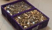 逼女員工離職!12萬賠償金「全換硬幣」 慣老闆嗆:自己數