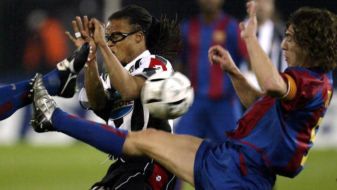 Edgar Davids - Kemampuannya berlari tanpa kenal lelah dan kerap memenangi duel perebutan bola membuatnya sering disebut sebagi Bulldog Juventus. Kejayaan Si Nyonya Tua pada akhir 90an dan awal 2000an tidak lepas dari perannya menyapu lini tengah. (AFP/Paolo Cocco)