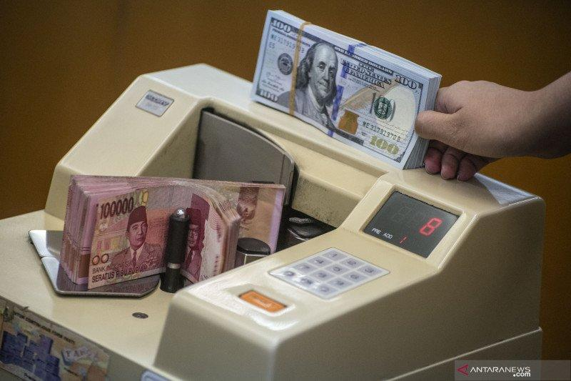 Rupiah menguat dekati level Rp14.000 per dolar