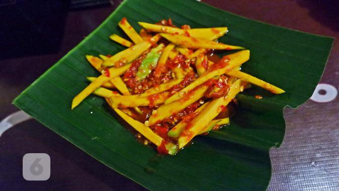 Sambal mangga muda Waroeng Spesial Sambal (SS). (Liputan6.com/Asnida Riani)