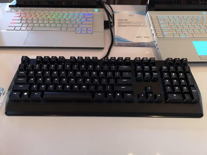 alienware gaming mouse keyboard monitor gamescom 2019 aw310 mechanical