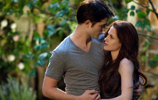 'Breaking Dawn' doesn't quite break box office records