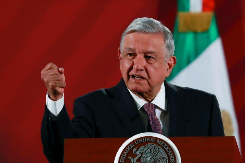 Mexican president says Trump summit unlikely, but keeps door open