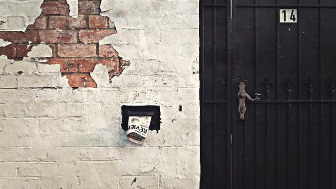 Tembok Rumah Berjamur (Sumber: Photo by vaun0815 on Unsplash)