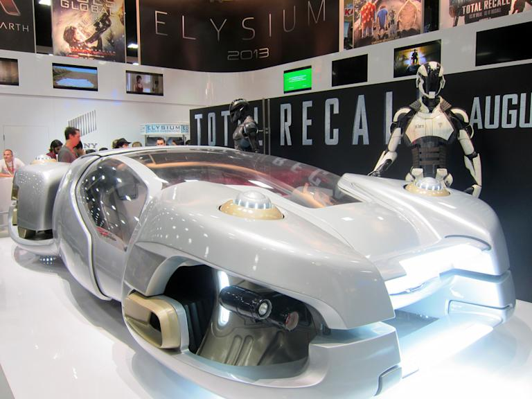 A flying car from the new 'Total Recall' - San Diego Comic-Con 2012