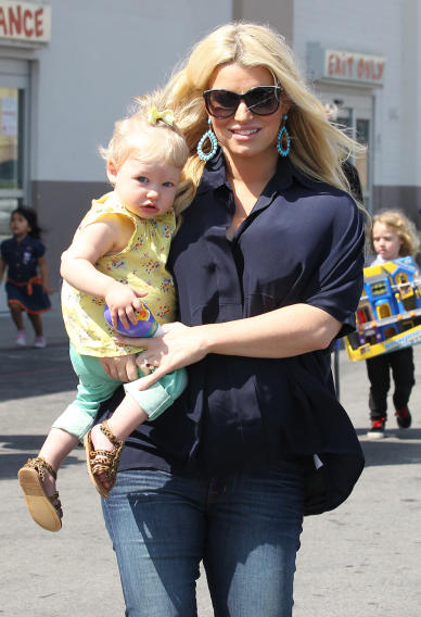 Jessica Simpson, her daughter Maxwell Johnson, her sister Ashlee and Ashlee's son Bronx leave Toys 'R' Us in Burbank, CA