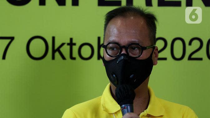 Menteri Perindustrian sekaligus Ketua Penyelenggara HUT Partai Golkar Agus Gumiwang Kartasasmita memberi keterangan terkait HUT ke-56 Partai Golkar di Jakarta, Sabtu (17/10/2020). HUT ke-56 Partai Golkar mengangkat tema