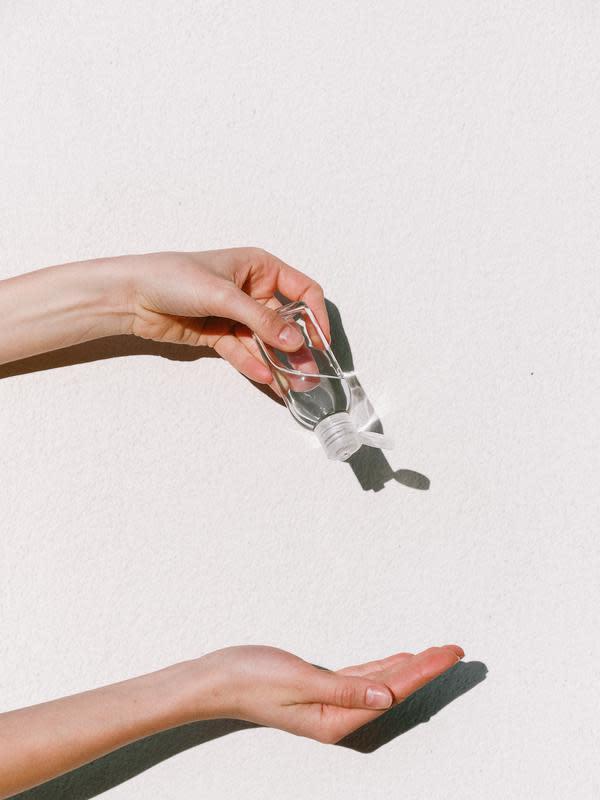 ilustrasi area tubuh yang tidak boleh terkena parfum/Anna Shvets/pexels